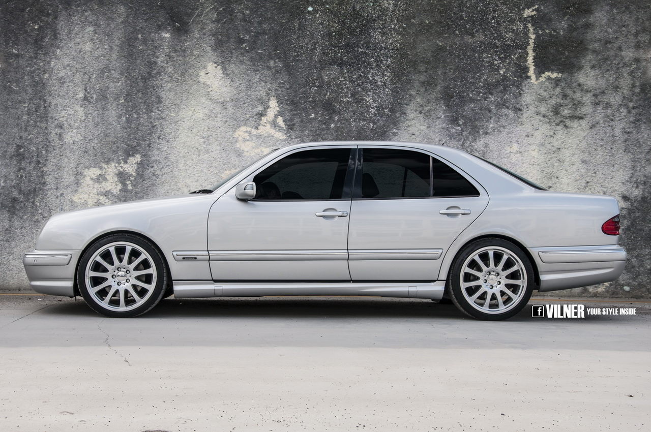E 55 amg 4matic w210 interior gets attacked with leather for Mercedes benz leather