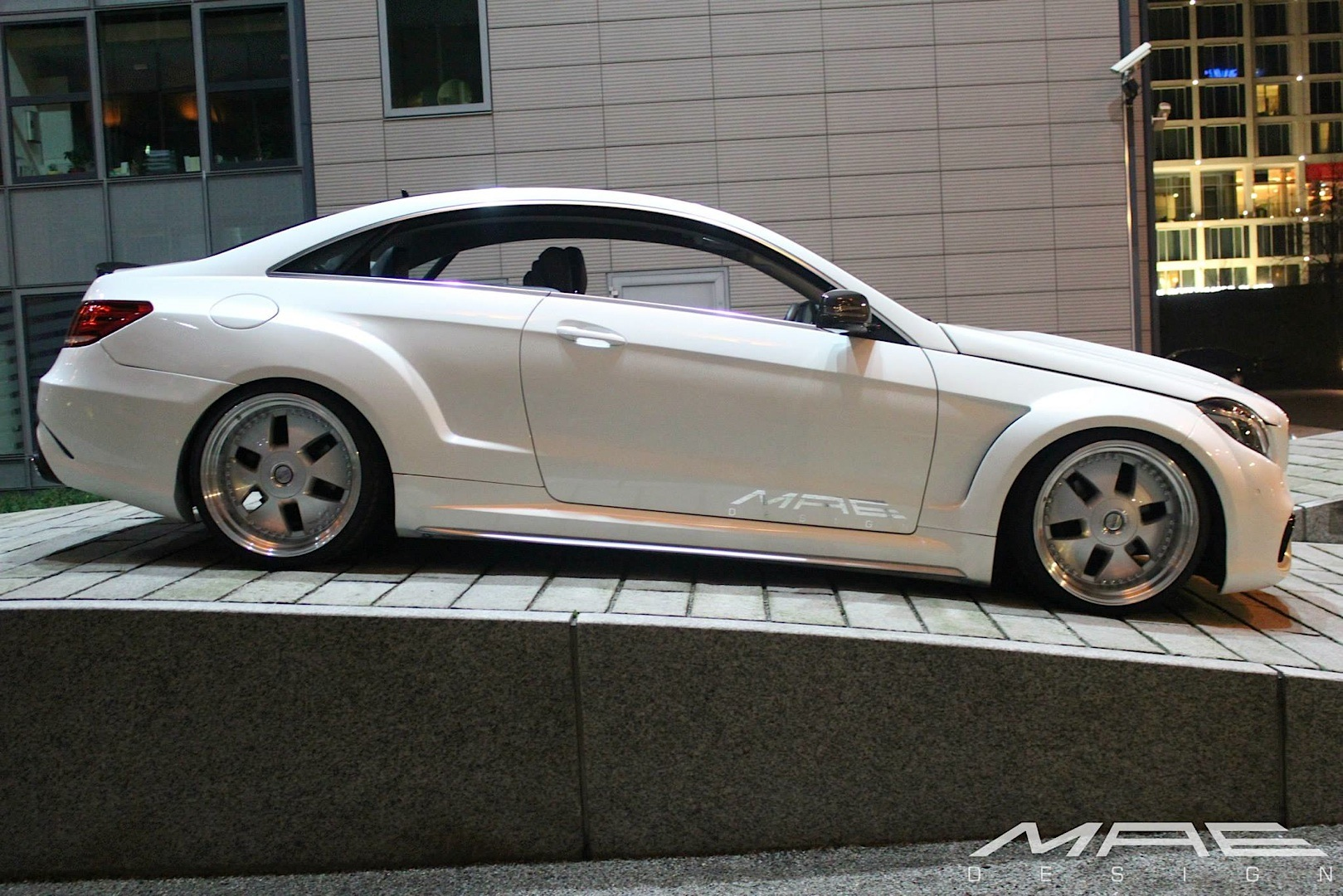 E-Class Coupe Wide Bodykit by MAE is as Clean as a Whistle