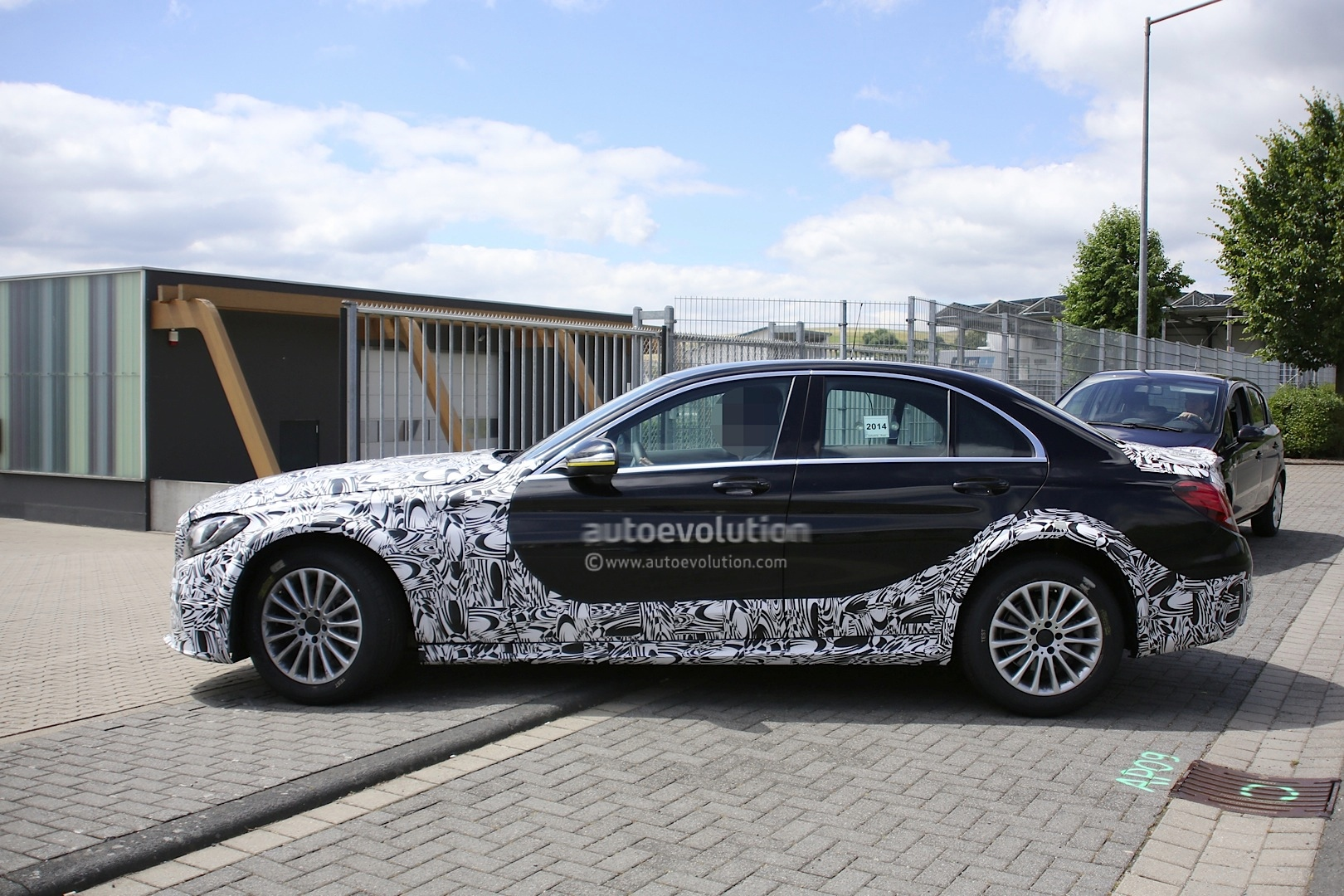 2016 - [Mercedes] Classe E [W213] - Page 2 E-class-w213-mule-based-on-current-c-class-spied-photo-gallery_10