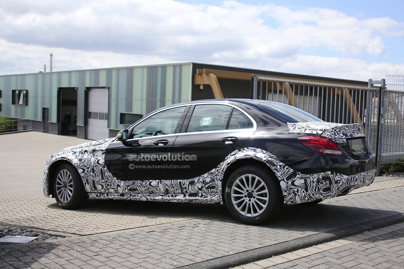 2016 - [Mercedes] Classe E [W213] - Page 2 E-class-w213-mule-based-on-current-c-class-spied-photo-gallery_11