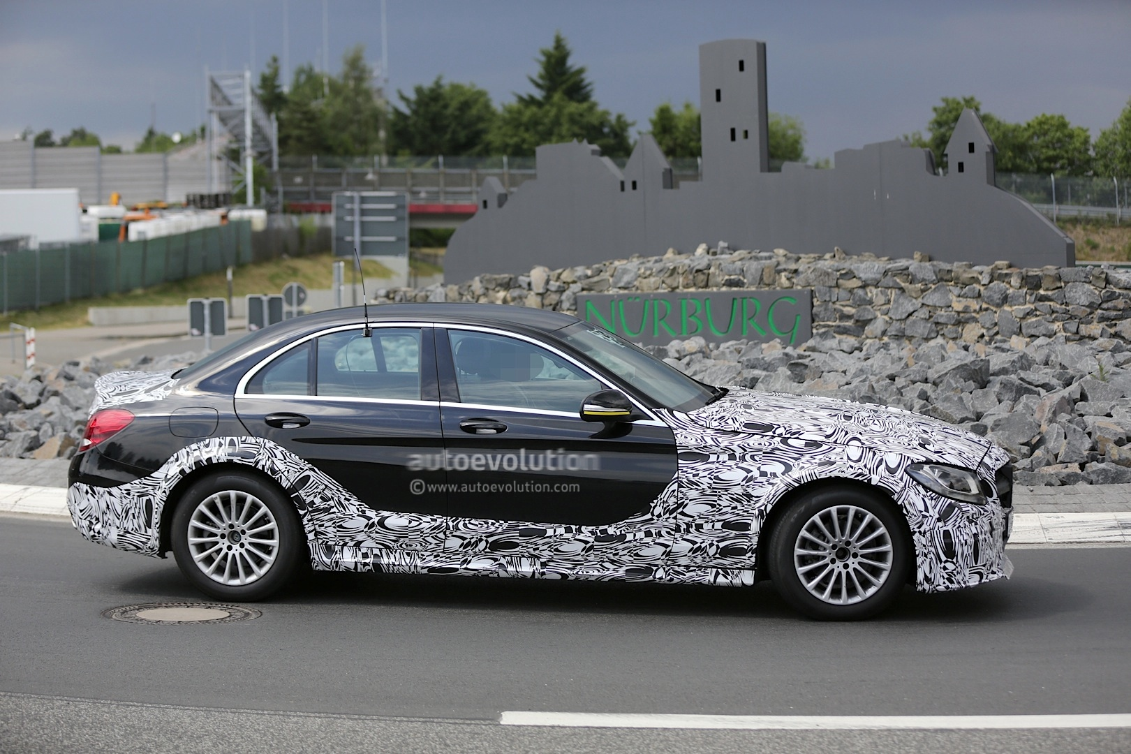 2016 - [Mercedes] Classe E [W213] - Page 2 E-class-w213-mule-based-on-current-c-class-spied-photo-gallery_4