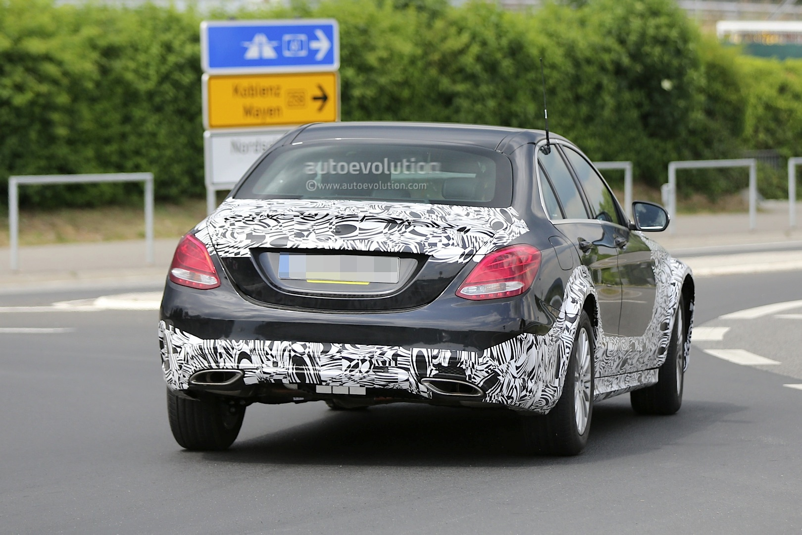 2016 - [Mercedes] Classe E [W213] - Page 2 E-class-w213-mule-based-on-current-c-class-spied-photo-gallery_6