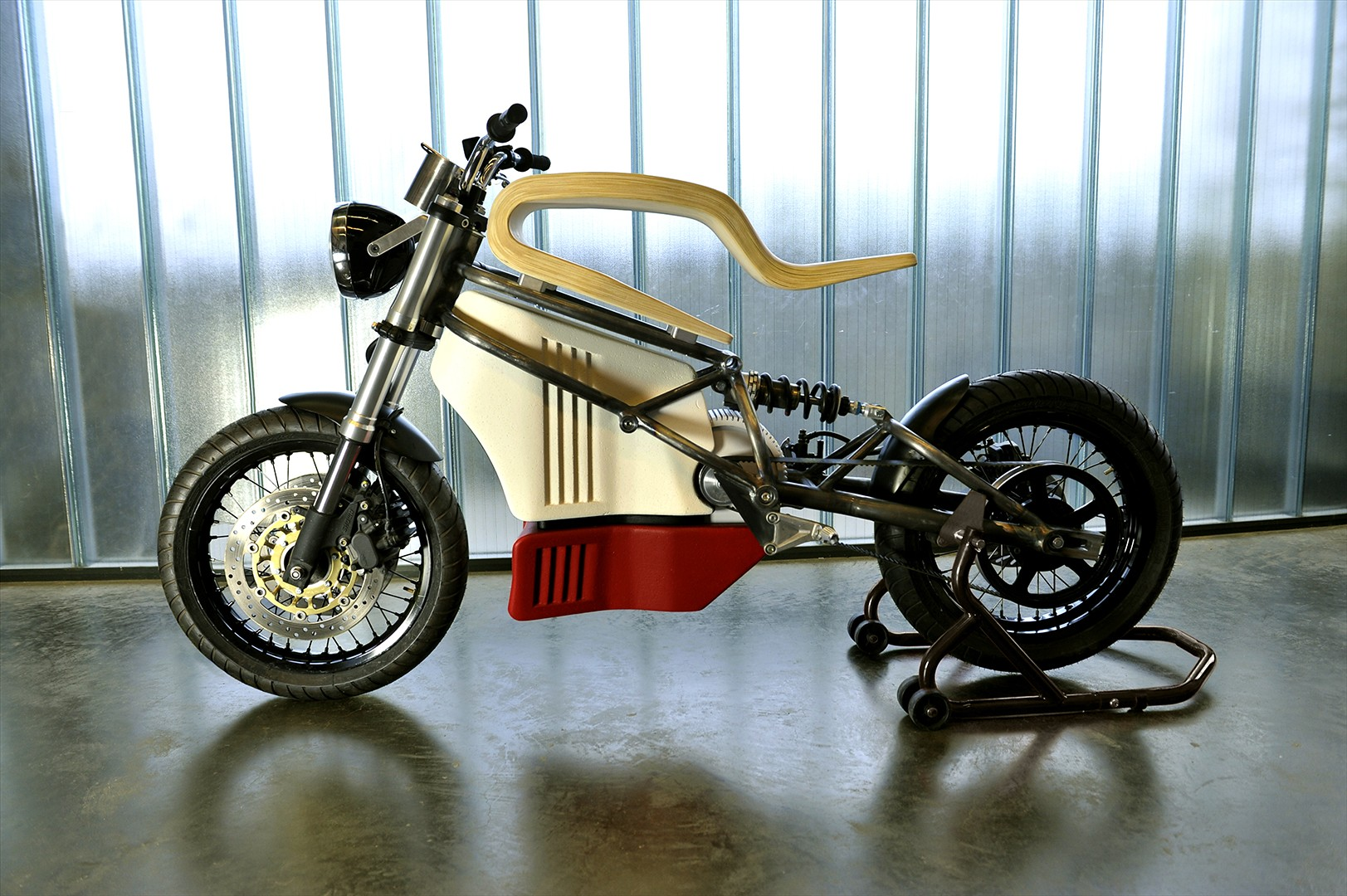 E Raw Is An Electric Cafe Racer Prototype With A Truly Wooden Seat