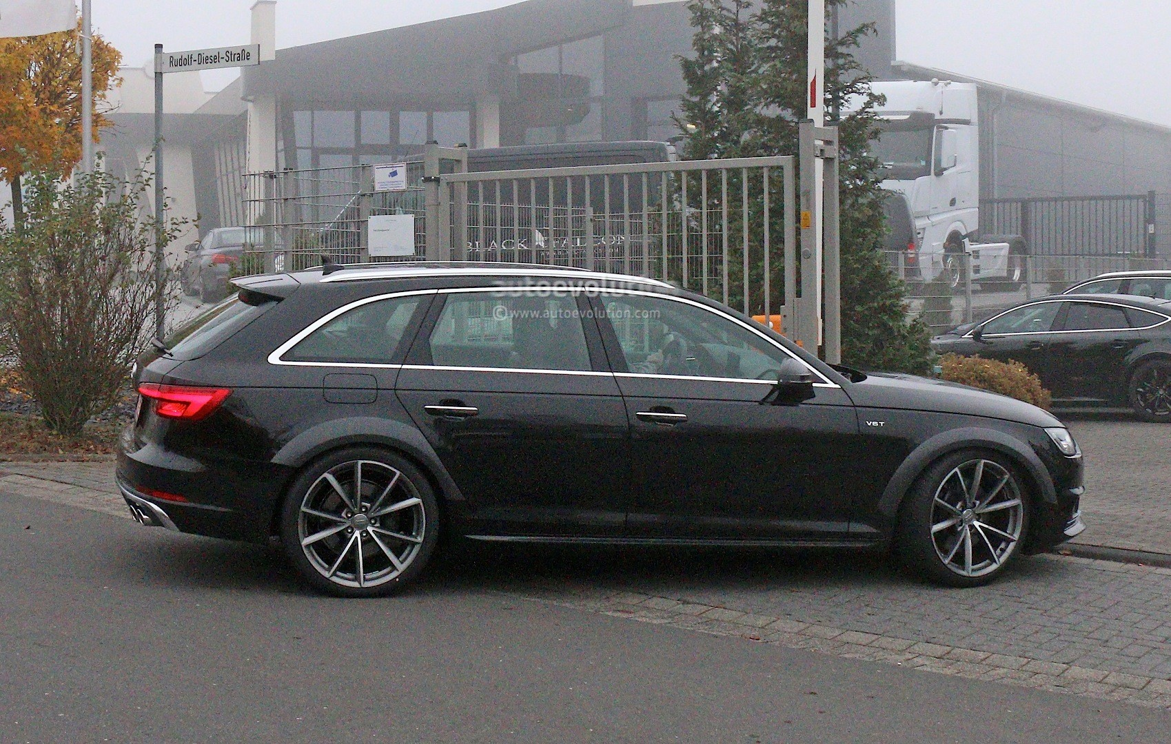 Early 2018 Audi Rs4 Avant Chassis Testing Mule This Could