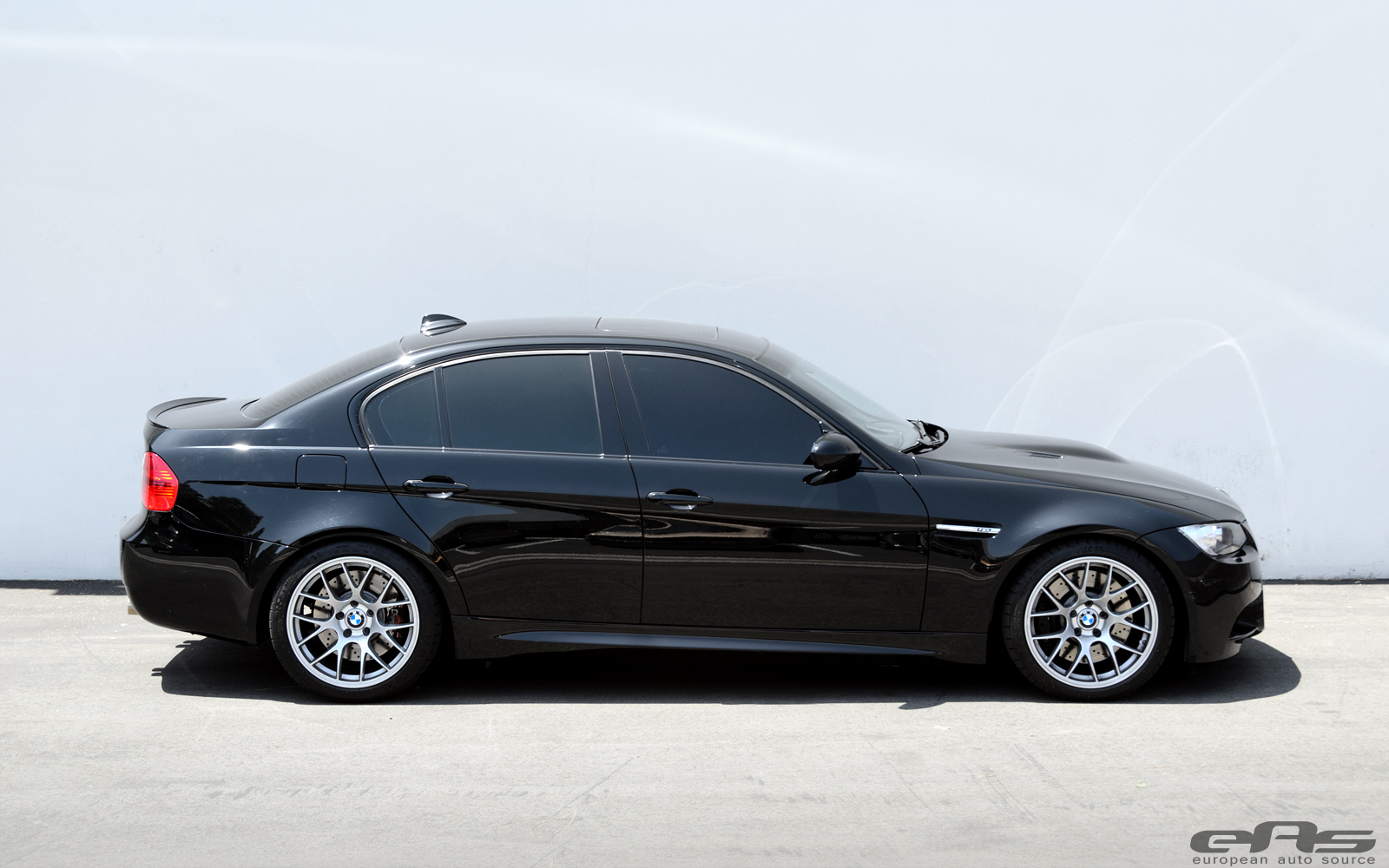 Eas Fits Jet Black Bmw E90 M3 With Apex Wheels Autoevolution