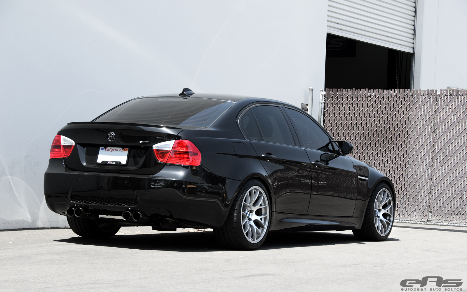 eas fits jet black bmw e90 m3 with apex wheels autoevolution. Black Bedroom Furniture Sets. Home Design Ideas
