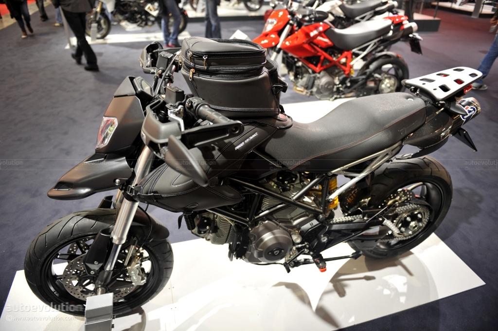 Ducati Monster 796 >> EICMA 2010: Ducati Hypermotard 796 [Live Photos] - autoevolution