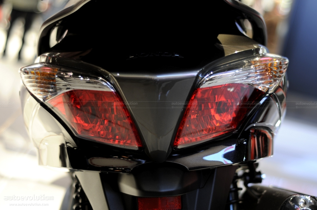 Eicma 2010 Honda Silver Wing T600 Gt Live Photos