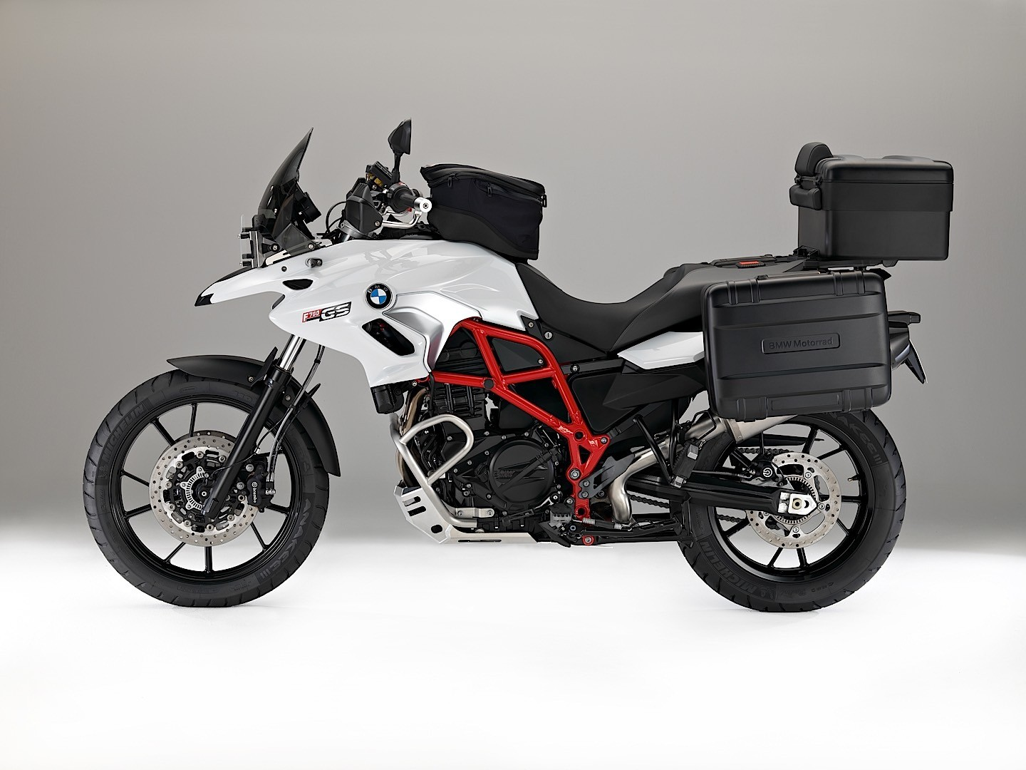 eicma 2015 updates for 2016 f 700 gs and f 800 gs bmw. Black Bedroom Furniture Sets. Home Design Ideas