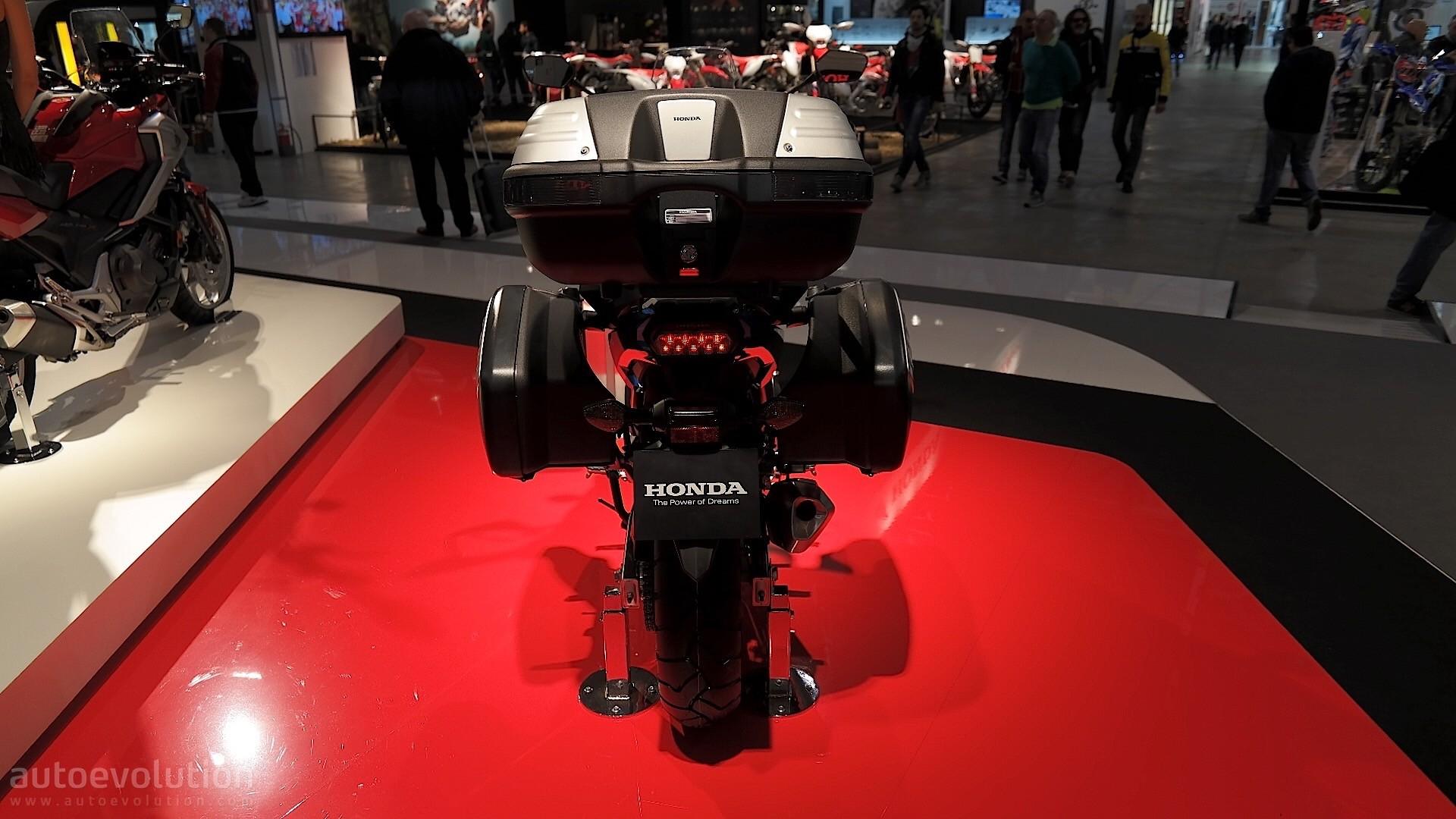 EICMA: 2016 Honda NC750X Shows Sharpened Looks and Several Upgrades - autoevolution