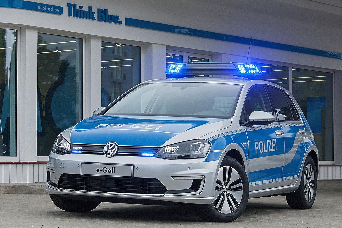 Полицейский электрокар Volkswagen e-Golf