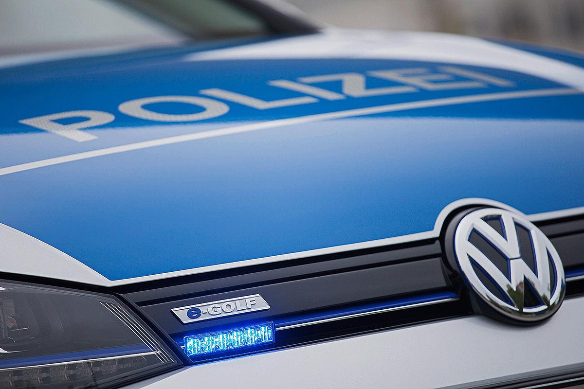 Полицейский Фольксваген Гольф электрокар