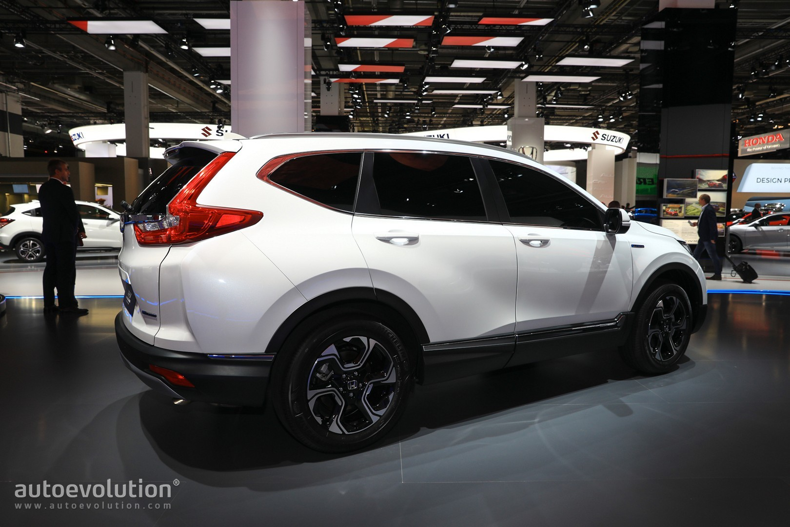 euro spec 2018 honda cr v abandons diesel for hybrid engine autoevolution. Black Bedroom Furniture Sets. Home Design Ideas