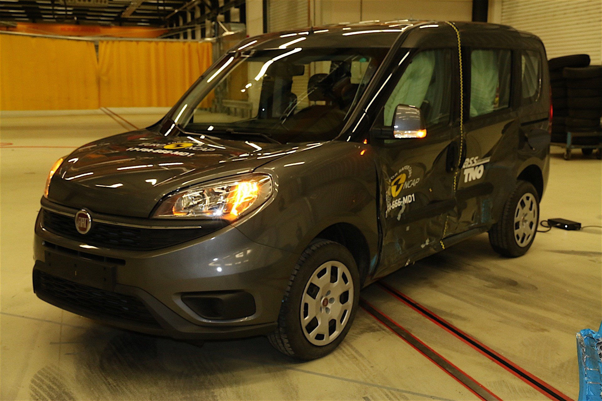 euroncap tests fiat doblo it gets three out of five safety stars autoevolution. Black Bedroom Furniture Sets. Home Design Ideas