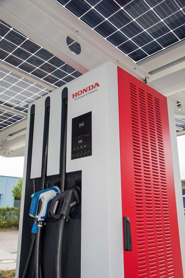 Honda Opens Europe S Most Advanced Ev Charging Station