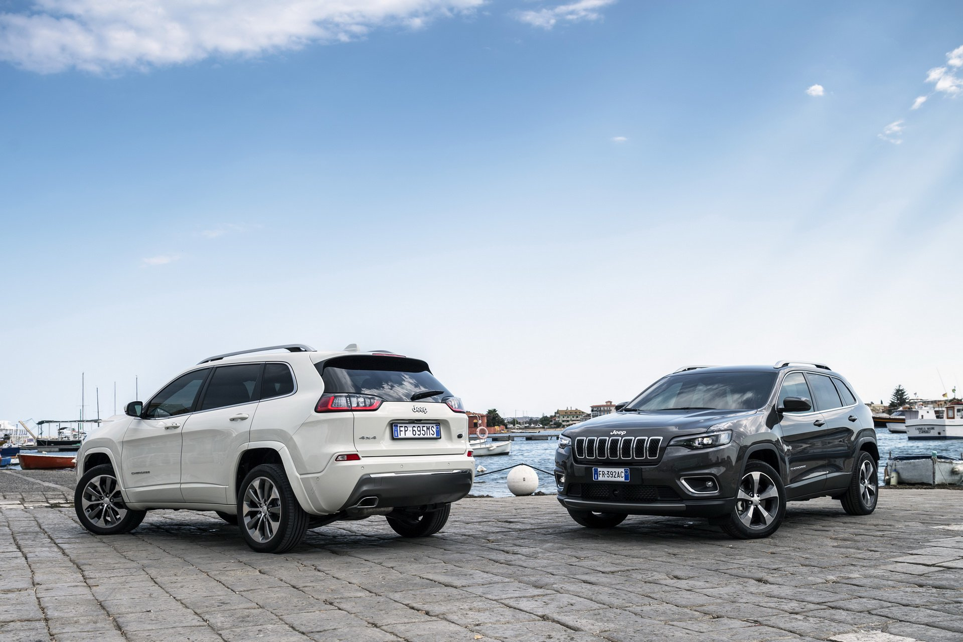 [Resim: europes-2019-jeep-cherokee-gains-new-150...esel_5.jpg]