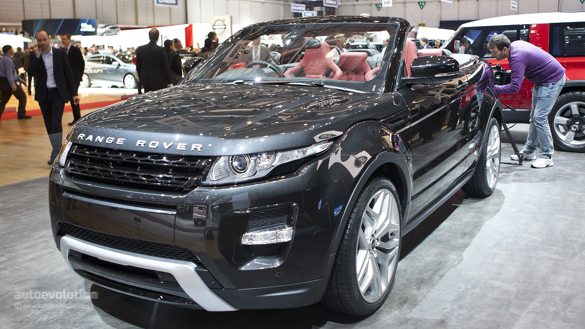 https://s1.cdn.autoevolution.com/images/news/gallery/evoque-convertible-could-be-coming-as-soon-as-2014_1.jpg