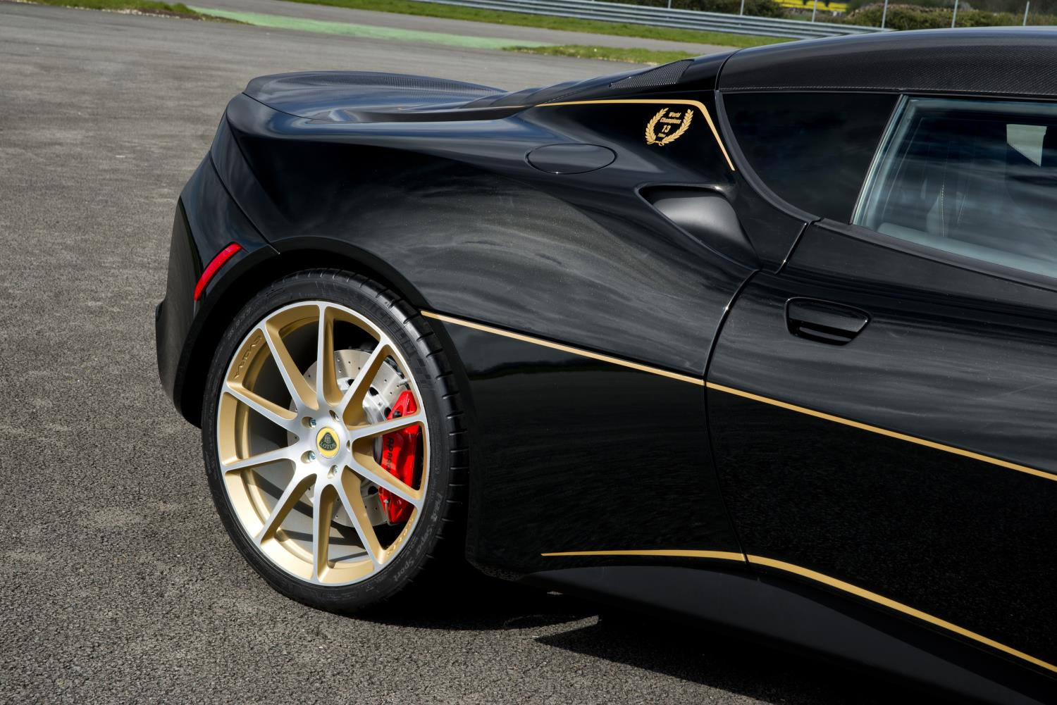 John Player Special F1 Livery Looks Awesome On Lotus Evora