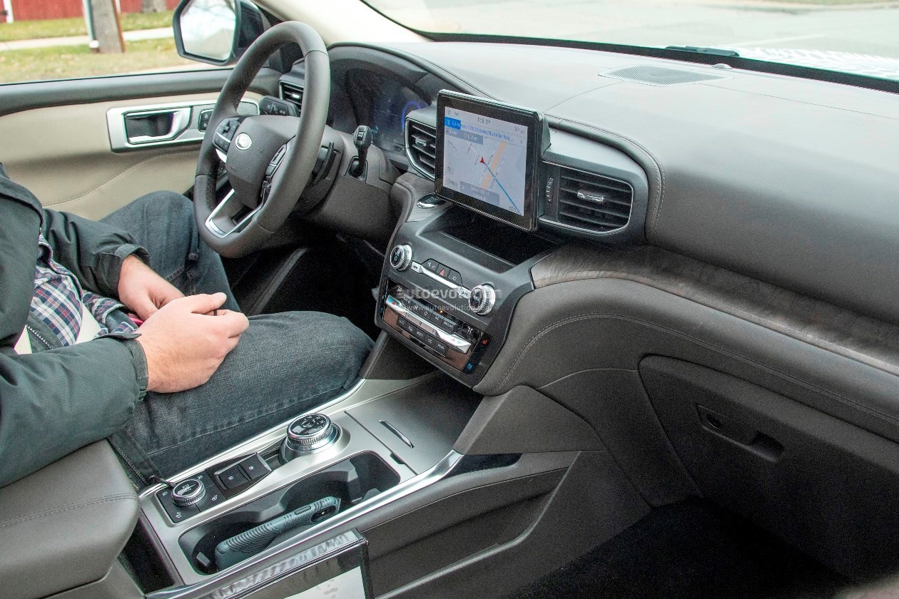 Mustang Car Shows >> 2020 Ford Explorer Shows Off Plasticky Cabin - autoevolution