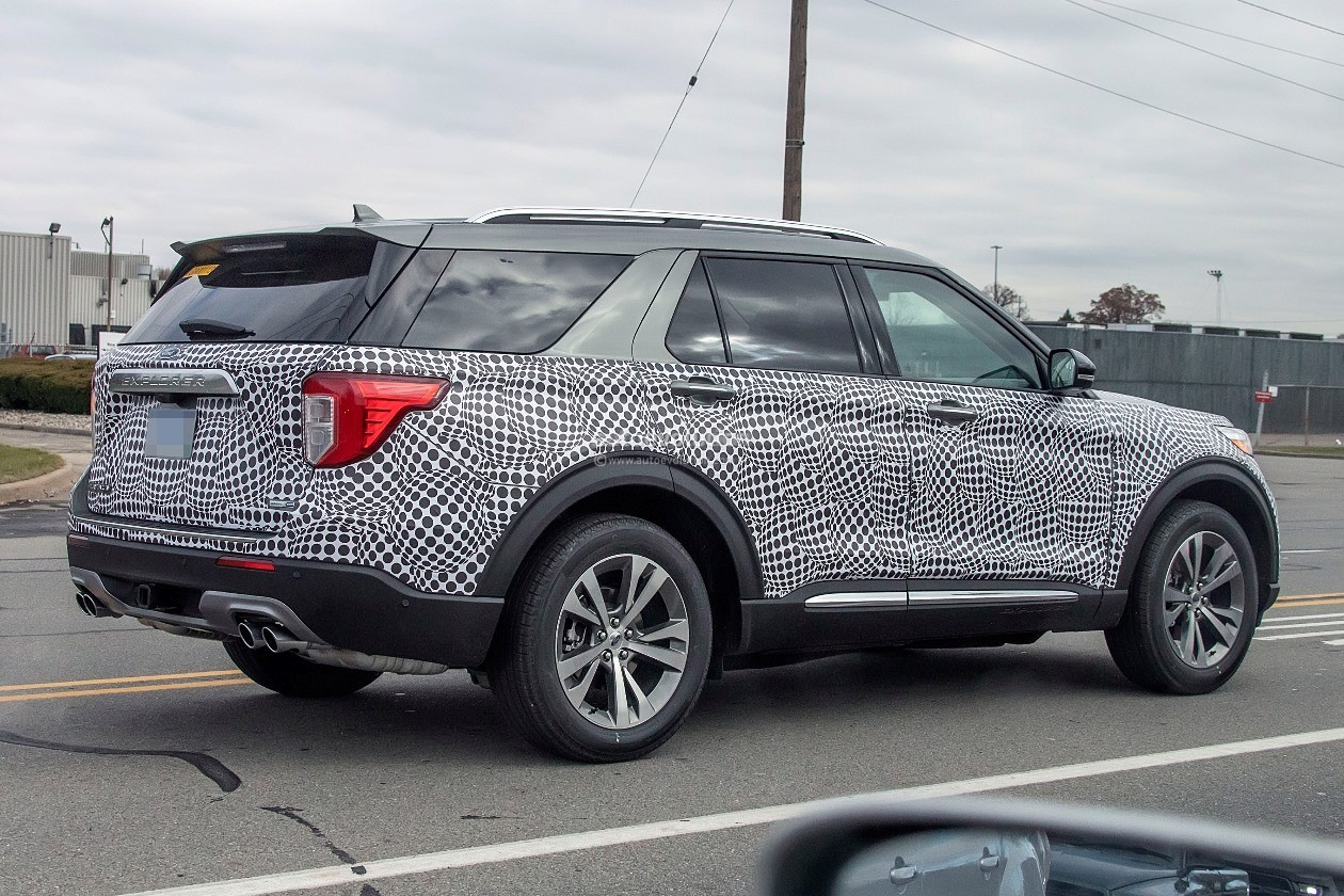 2020 Ford Explorer Shows Off Plasticky Cabin Autoevolution