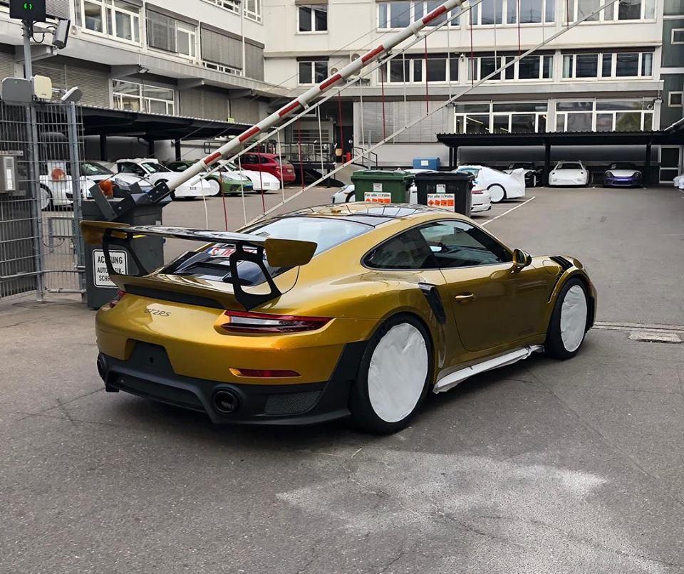 Porsche 911 Engine Test Stand: Oak Green Metallic 2018 Porsche 911 GT2 RS Looks Like A