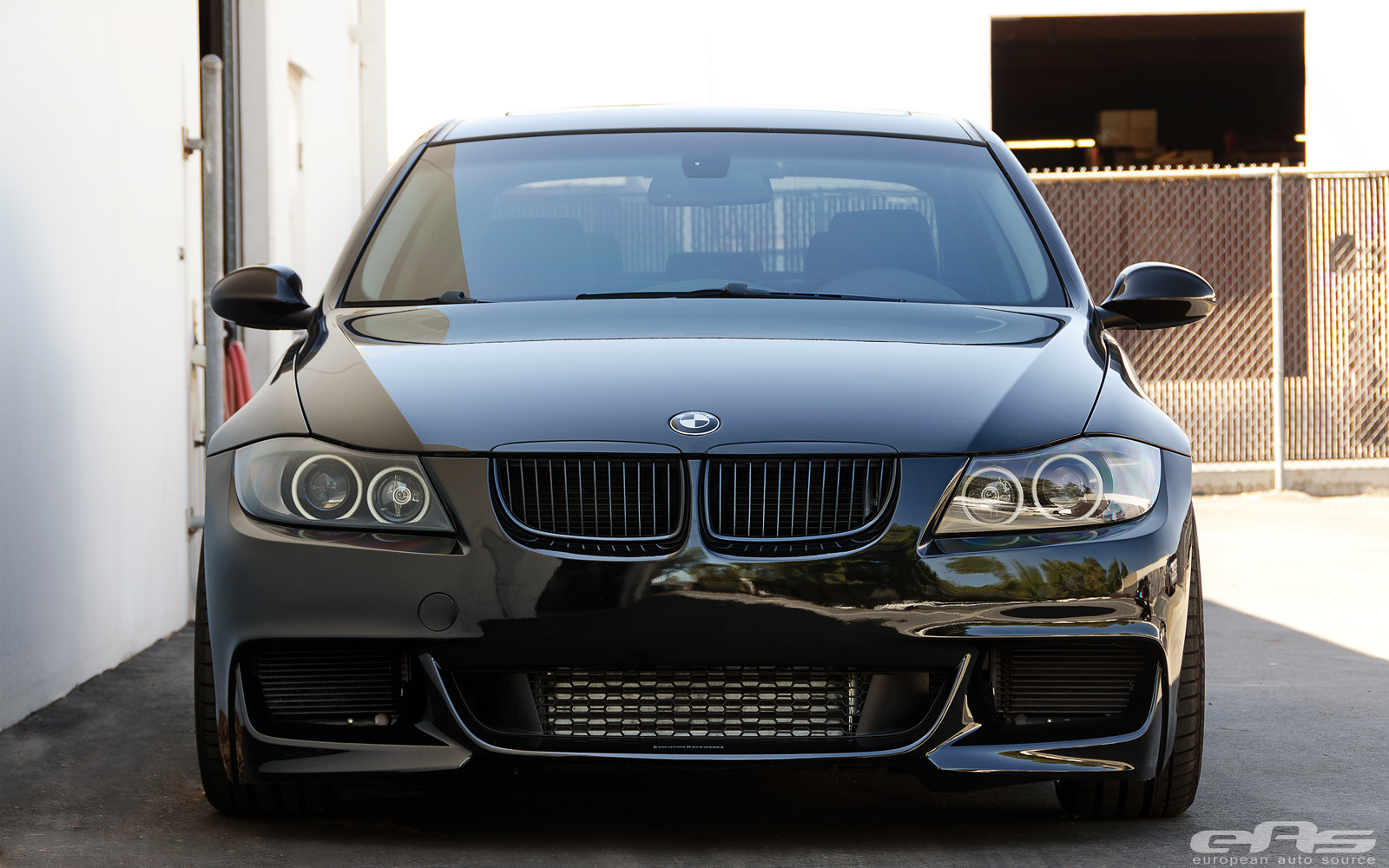 extremely tuned bmw e90 335i hails from eas autoevolution. Black Bedroom Furniture Sets. Home Design Ideas
