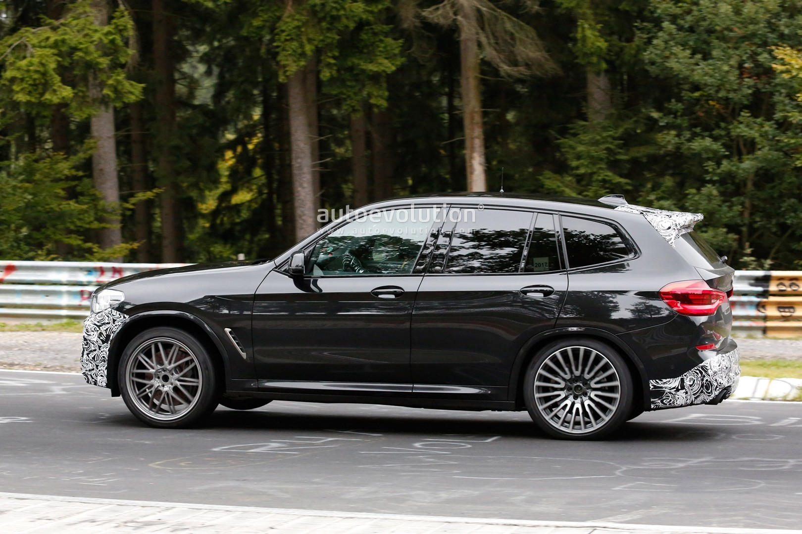F97 Bmw X3 M Cocks A Wheel On Nurburgring Wears Minimal