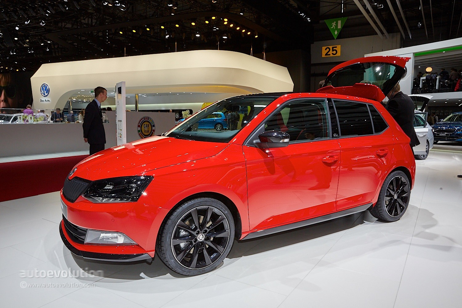 fabia monte carlo and octavia rs 230 show skoda 39 s naughty side in geneva autoevolution. Black Bedroom Furniture Sets. Home Design Ideas
