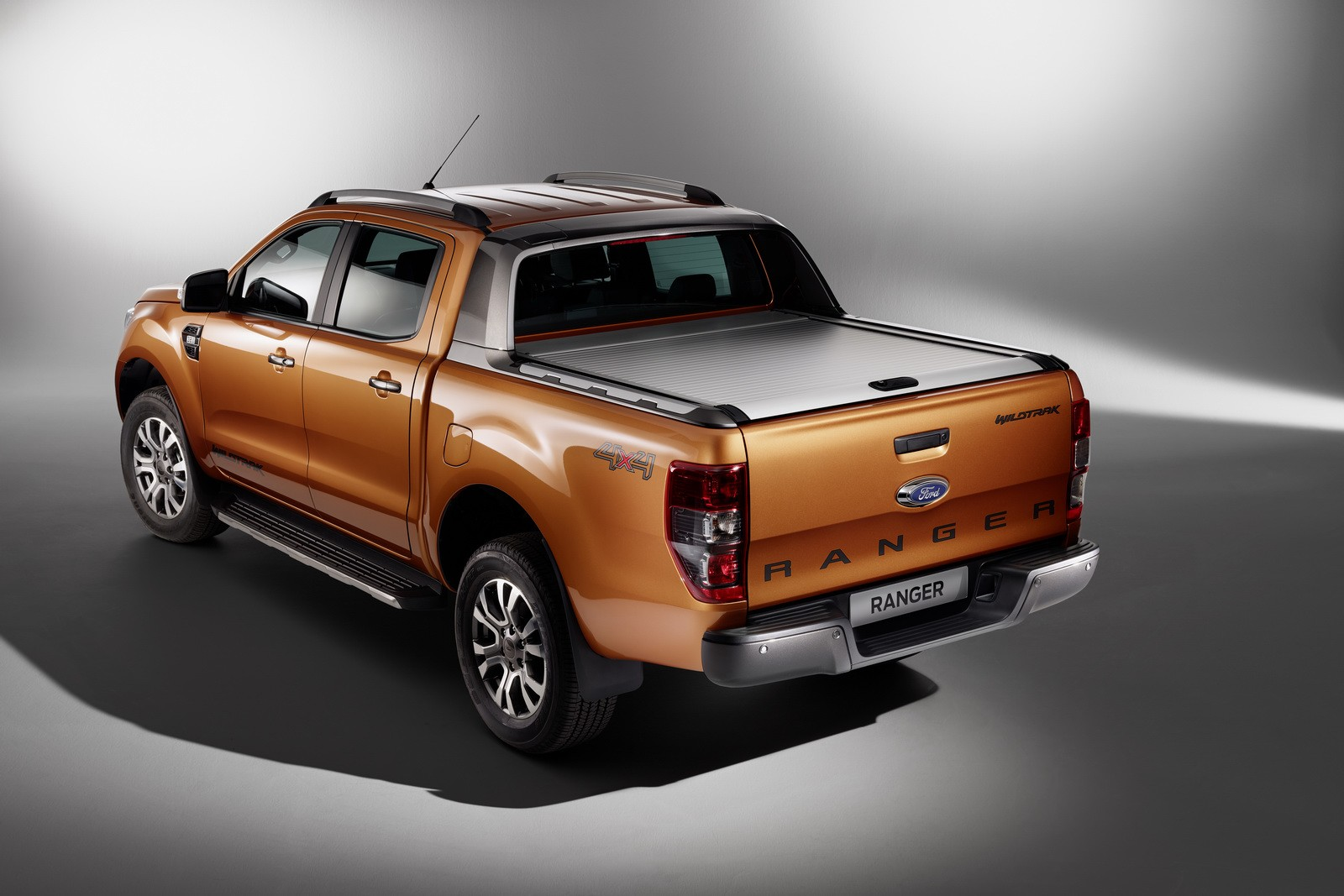 facelifted ford ranger finds its way to frankfurt will wear top spec wildtrak suit autoevolution. Black Bedroom Furniture Sets. Home Design Ideas