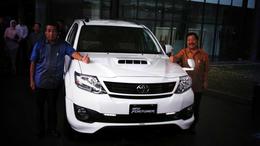 toyota fortuner launches in indonesia video photo gallery Car Pictures