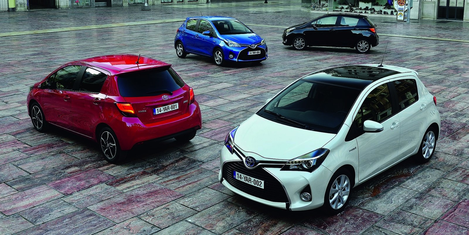 yaris information specs pictures toyota