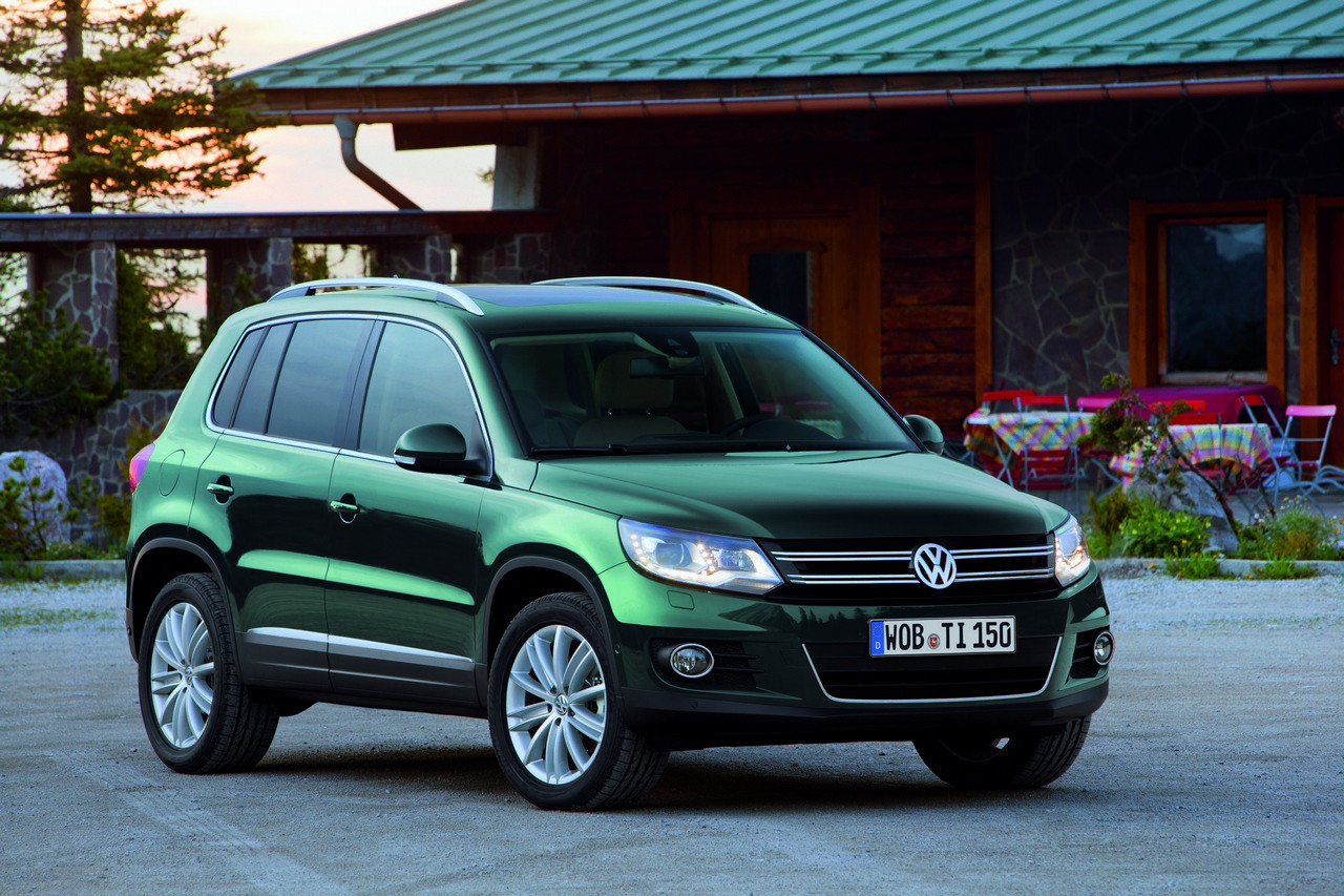 facelifted volkswagen tiguan brings bluemotion new safety. Black Bedroom Furniture Sets. Home Design Ideas