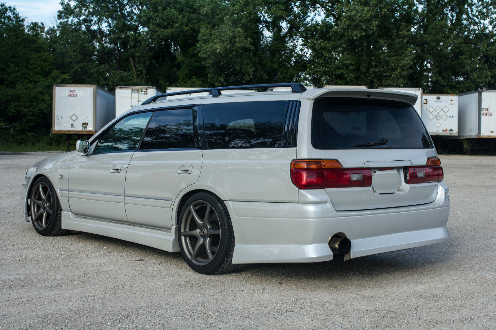 fake r34 nisan gt r wagon for sale is based on jdm stagea autoevolution. Black Bedroom Furniture Sets. Home Design Ideas