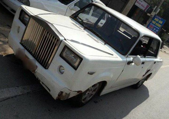 Fake Rolls Royce Phantom Based On A Lada ...