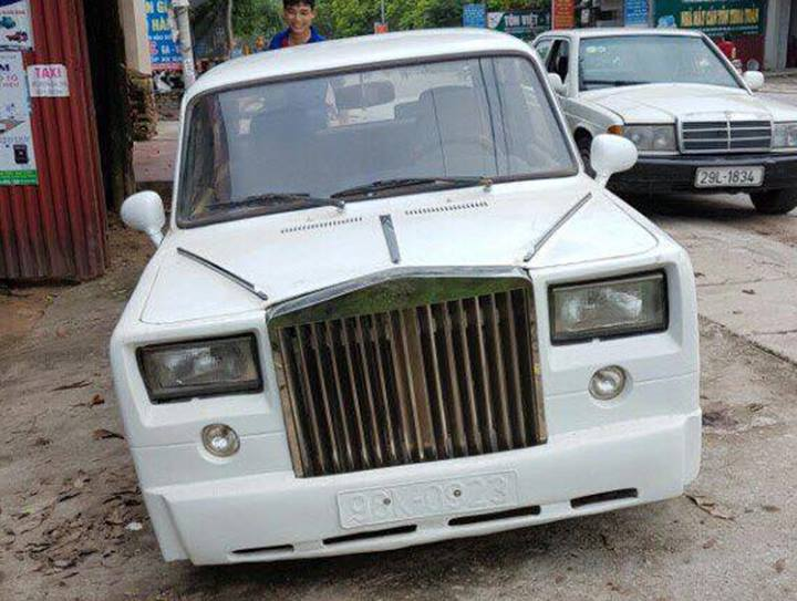 ... Fake Rolls Royce Phantom Based On A Lada ...