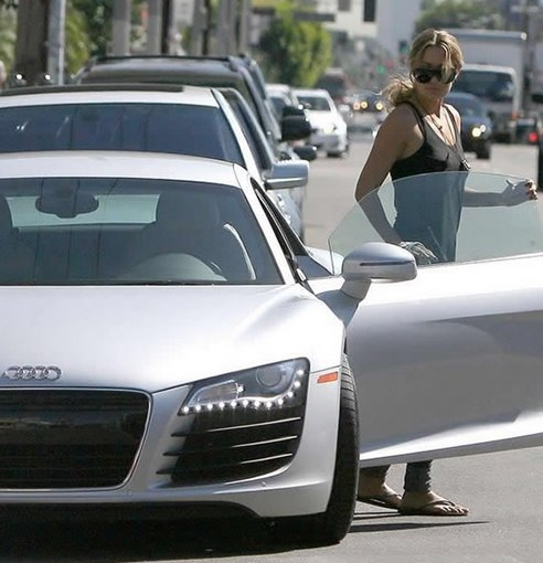 Female Stars Ride Hot Cars Autoevolution
