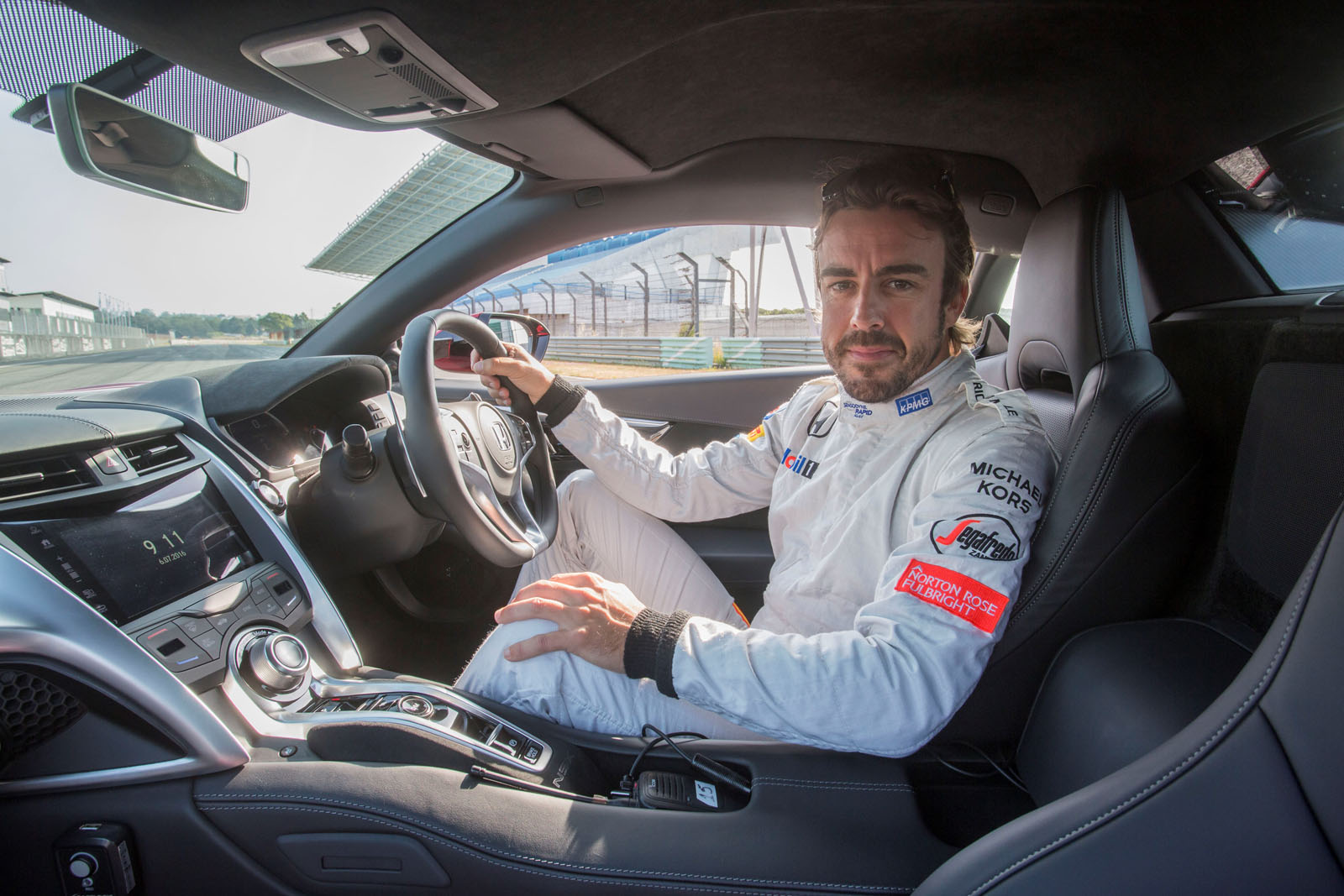 Fernando Alonso Drives the 2017 Honda NSX, Digs the Brakes - autoevolution