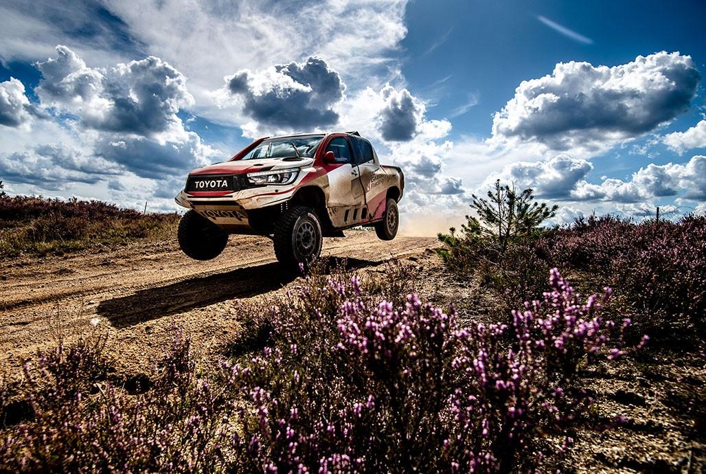 Fernando Alonso Tests Toyota Hilux V8 Race Truck Prepares