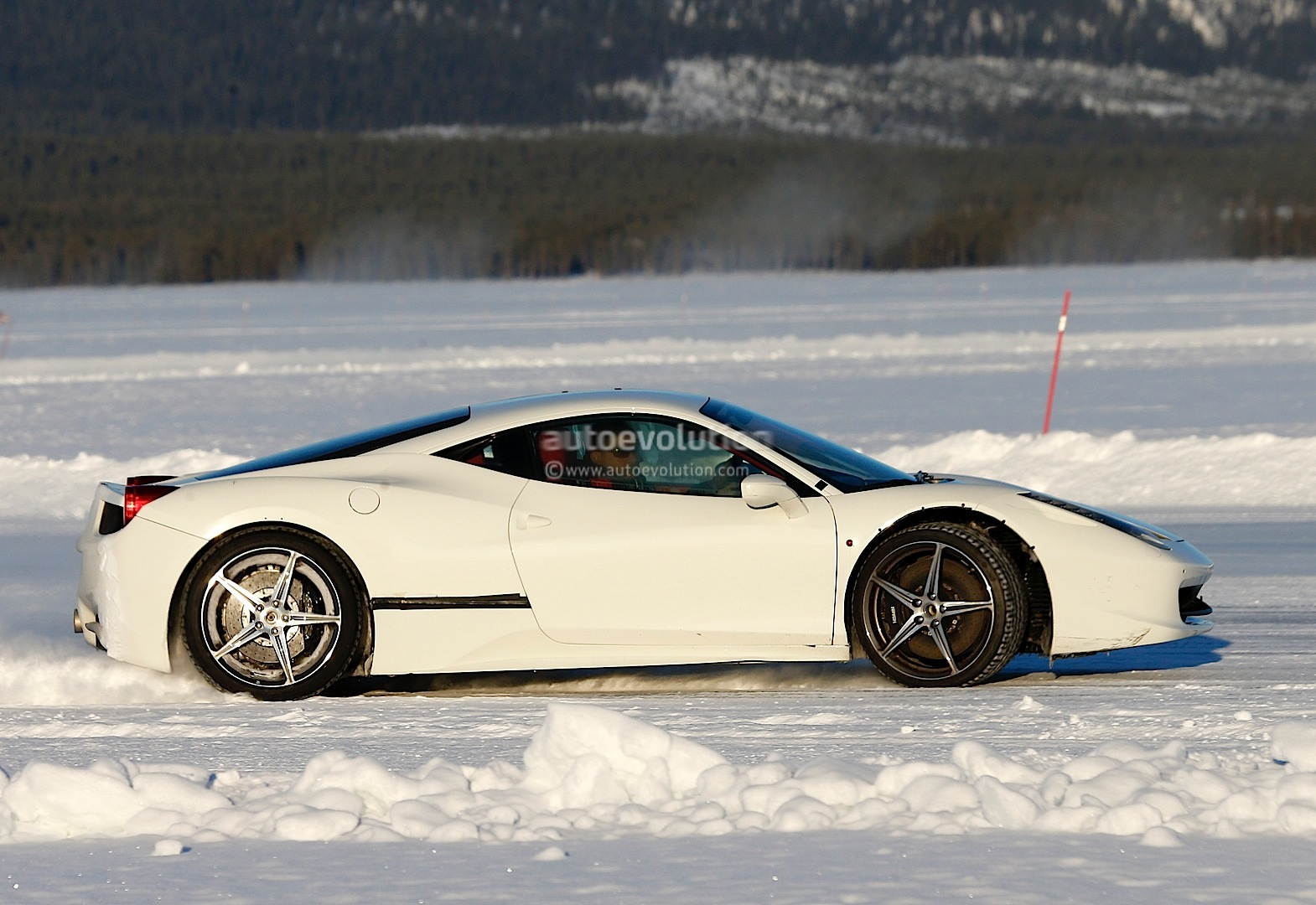ferrari 458 replacement spied drifting on ice autoevolution - 2016 Ferrari 458 Replacement