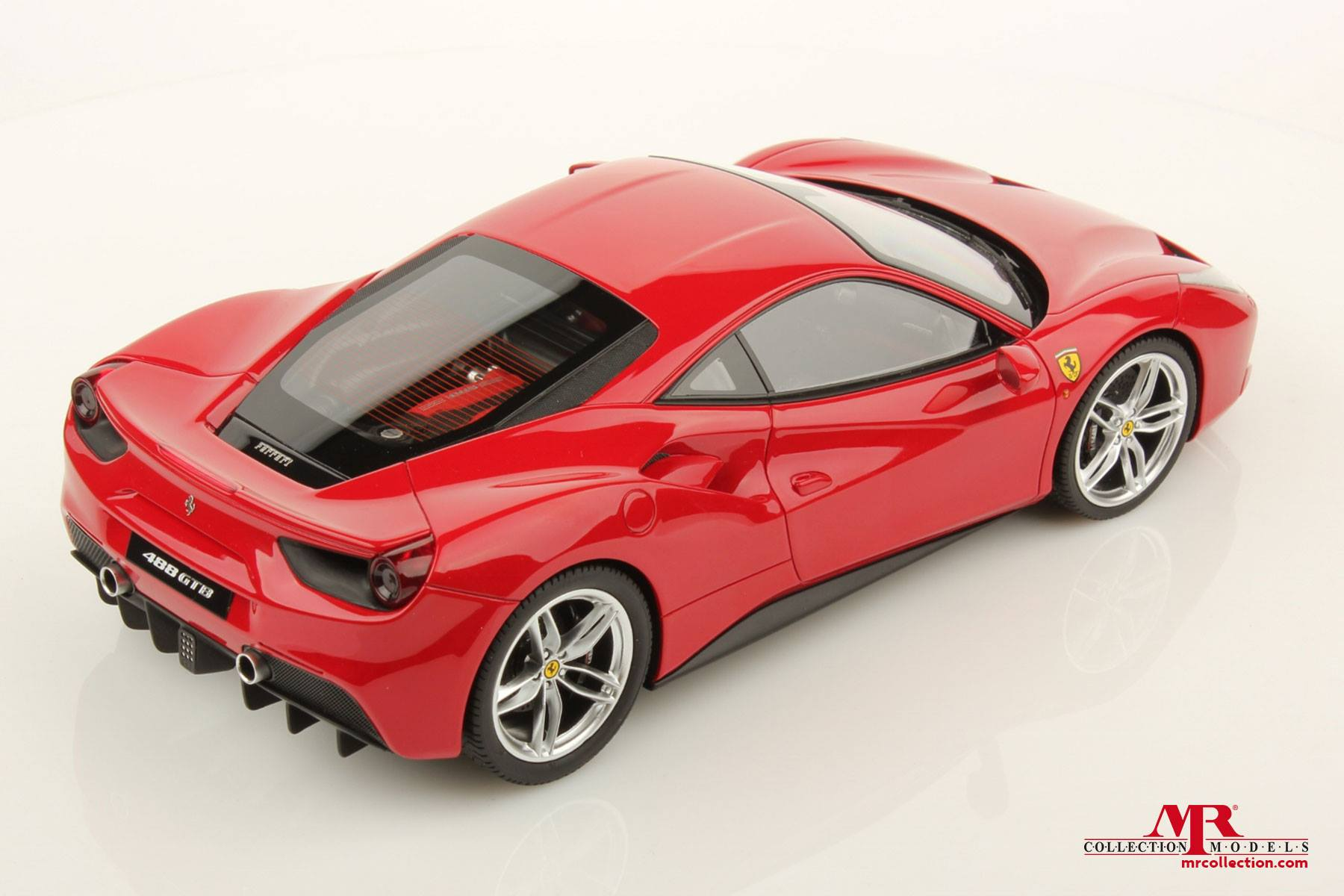 ferrari 488 gtb 1 18 scale model looks perfect autoevolution. Black Bedroom Furniture Sets. Home Design Ideas