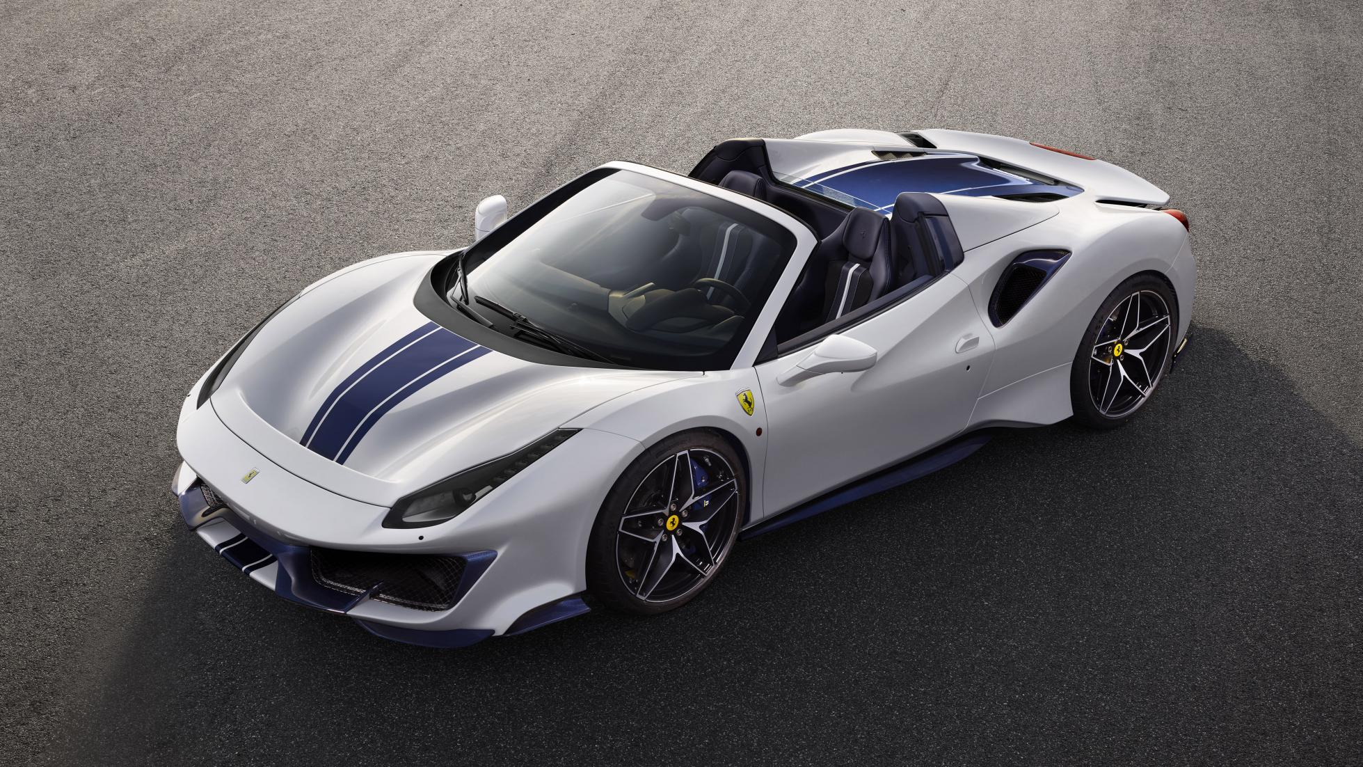 Ferrari 488 Pista Spider Looks Like A Record Car In Live