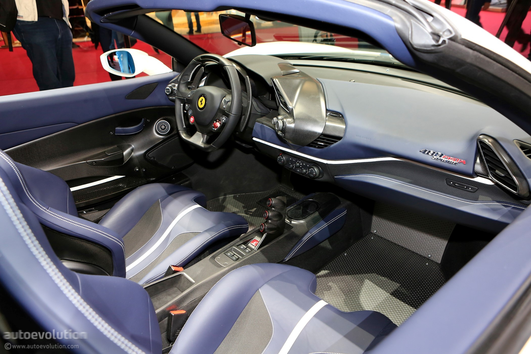 Ferrari 488 Pista Spider Makes European Debut In Paris Autoevolution