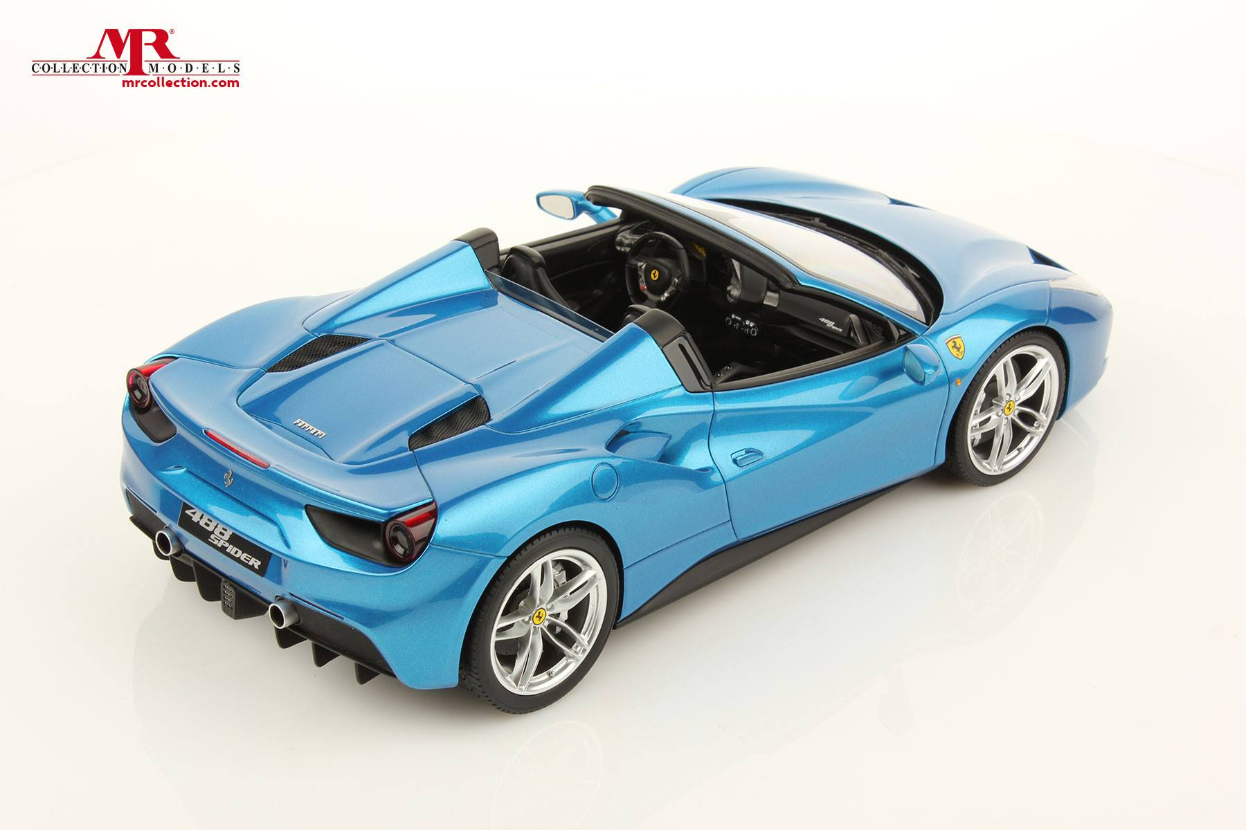 ferrari 488 spider 1 18 scale model comes with the. Black Bedroom Furniture Sets. Home Design Ideas