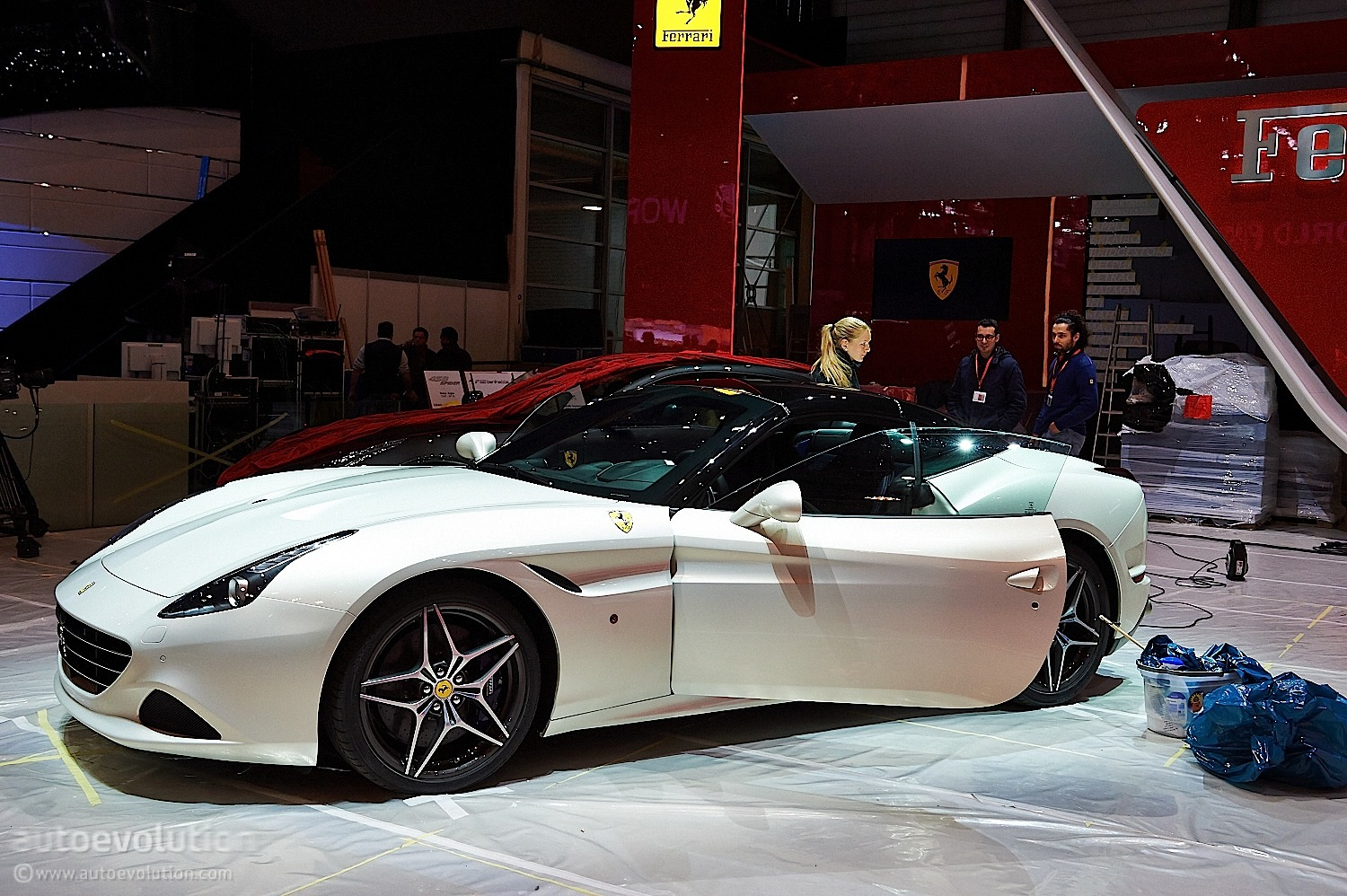 ferrari california t brings its turbos to geneva live