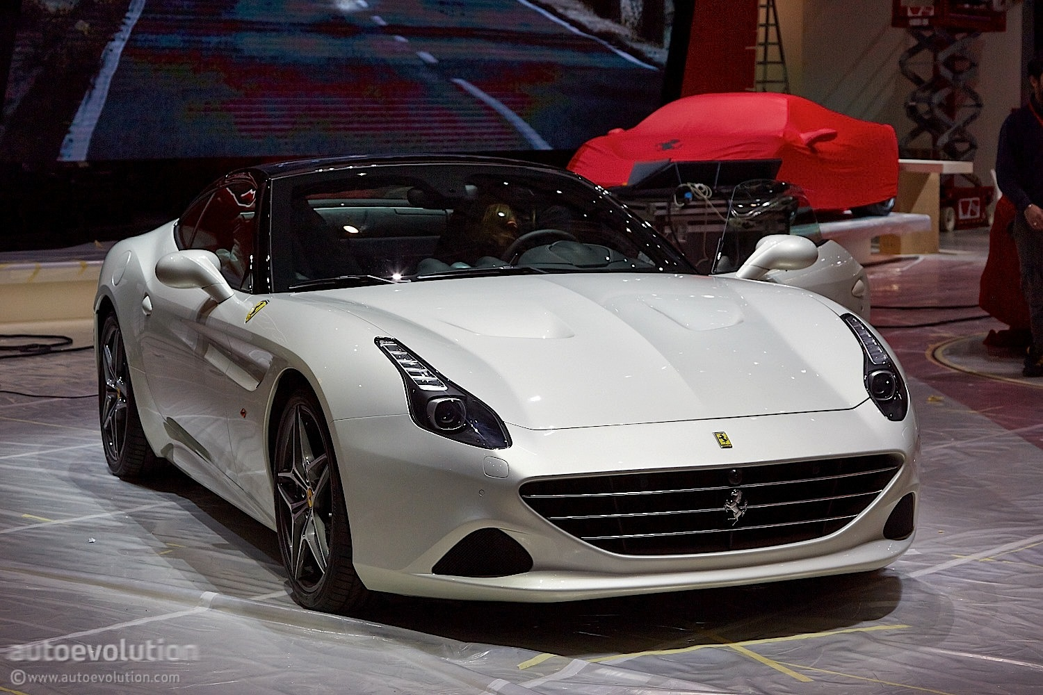 Ferrari California T Brings Its Turbos to Geneva [Live ...