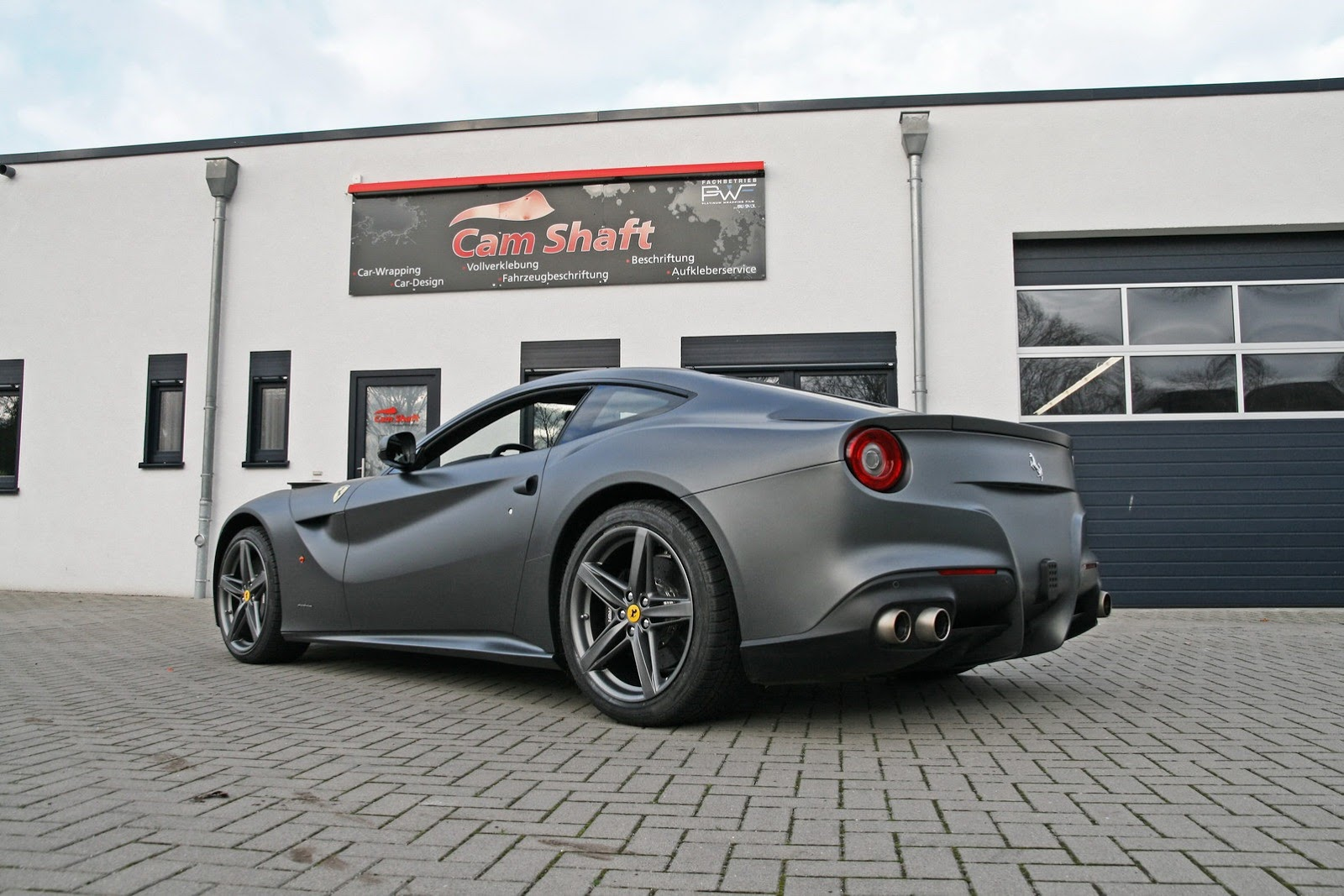 Ferrari F12 Berlinetta Wrapped By Cam Shaft Autoevolution