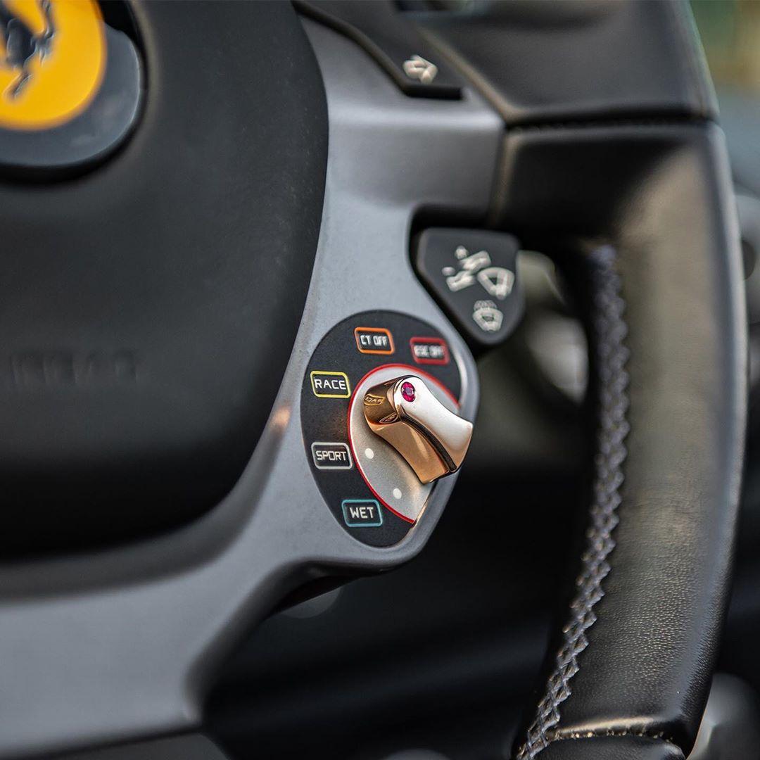 Ferrari F430 Crashes Into Lamborghini Gallardo ...