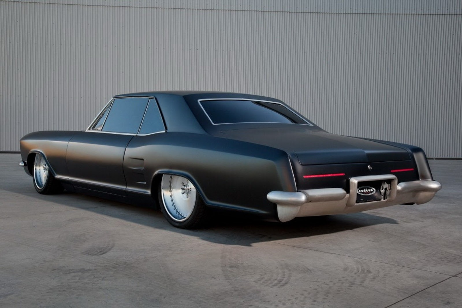 Fesler-Modified 1963 Buick Riviera Looks Sinister