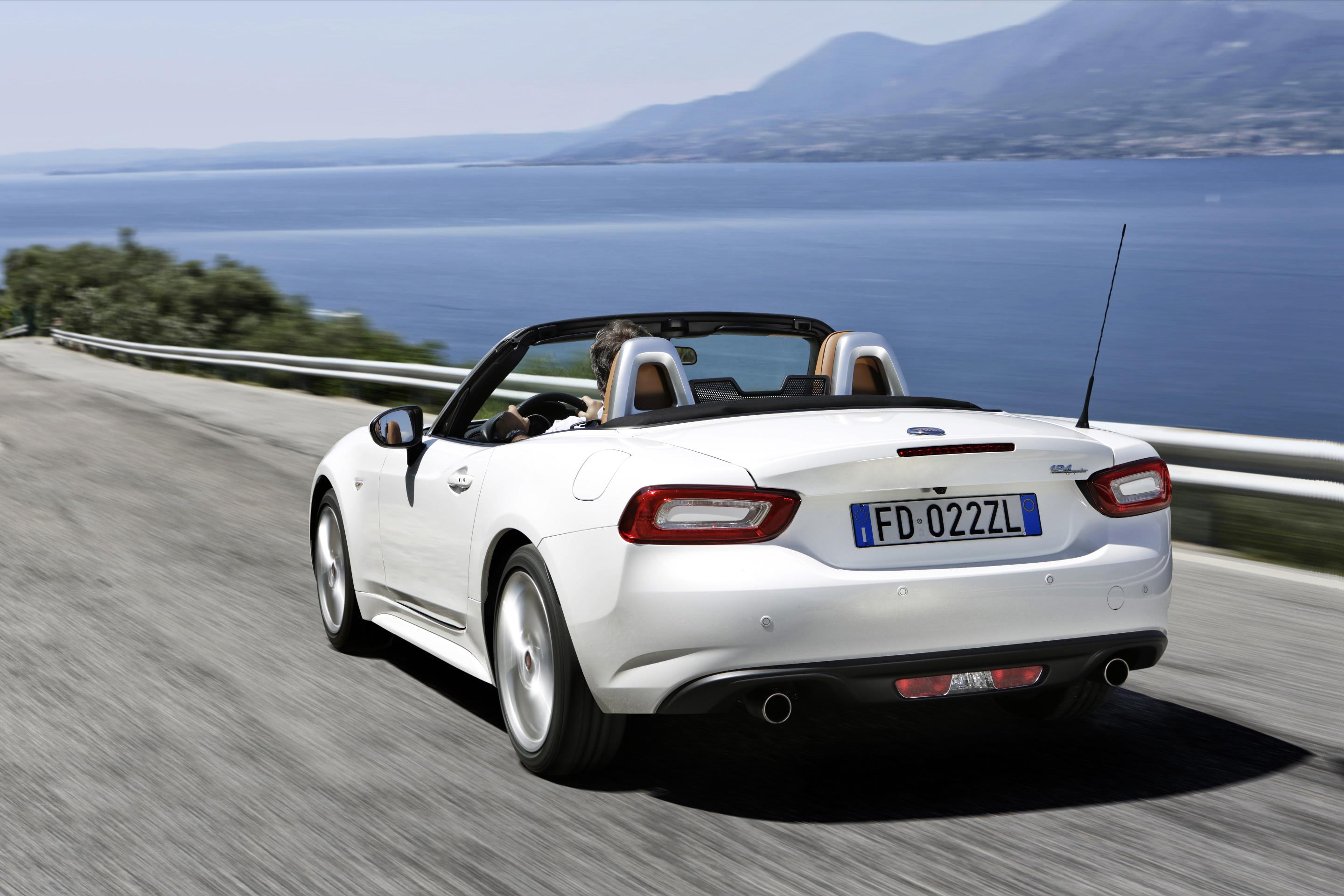 fiat 124 spider named european gay car of the year 2017 autoevolution. Black Bedroom Furniture Sets. Home Design Ideas