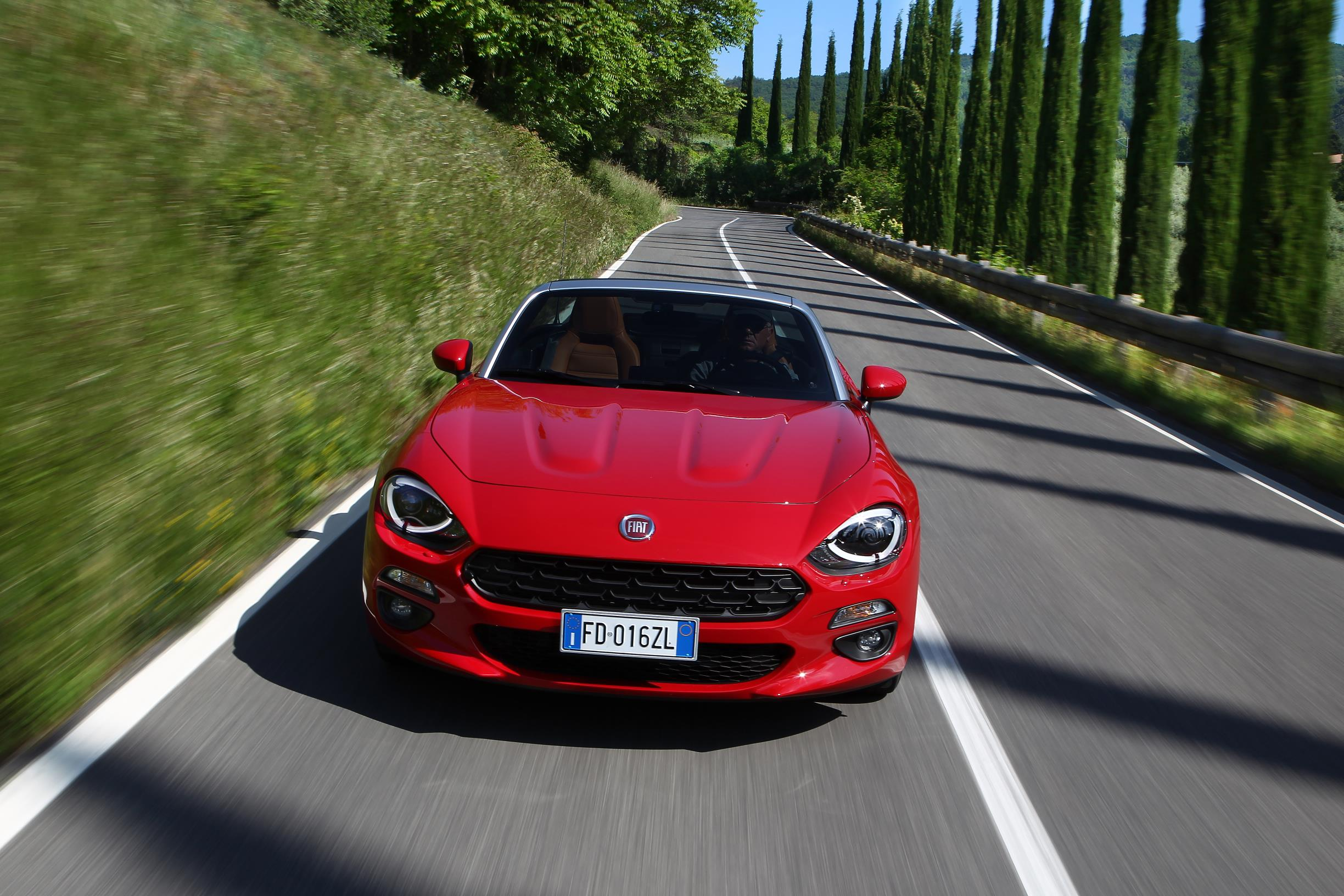 Fiat 124 Spider >> Fiat 124 Spider Named European Gay Car of the Year 2017 ...